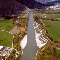 Aufweitung Chur/Felsberg 2001, fünf Jahre nach der Fertigstellung (Quelle: Tiefbauamt Graubünden)