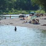 Eine Mehrheit der Bevölkerung am Alpenrhein wünscht sich einen natürlicheren Fluss mit einem höheren Erholungswert wie hier an der Thur (©Christian Göldi)