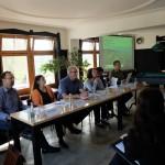 Umweltverbände und Gemeindevertreter präsentieren die Umfrageergebnisse: Die Bevölkerung will die naturhaheste Rhesi-Variante (©Lebendiger Alpenrhein)